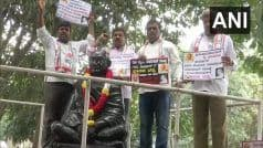 Karnataka: Congress Workers Protest Against BJP's Promise to Give Bharat Ratna to Veer Savarkar