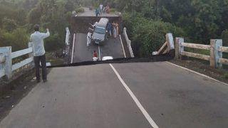 Gujarat: Several Cars Fall Into River as Bridge Collapses Near Junagadh | Watch Video