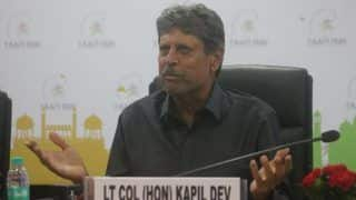 As His fan, Would Love to See MS Dhoni Play in T20 WC: Kapil Dev