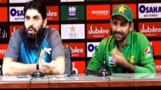 Misbah-ul-Haq Schools Journalist in Press Conference After Pakistan's Humiliating Whitewash vs Sri Lanka; Sarfaraz Ahmed's Reaction to Hard Question is Epic | WATCH VIDEO