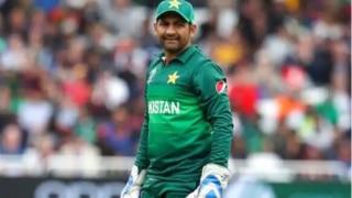 सरफराज अहमद को टेस्ट टीम की कप्तानी से हटाना चाहते हैं पीसीबी चेयरमैन : रिपोर्ट