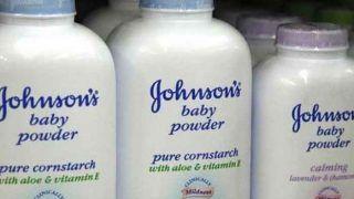 बेबी पाउडर में कैंसरकारक तत्वों के मिले सबूत, जॉनसन एंड जॉनसन ने वापस मंगाईं 33 हजार बॉटल्स
