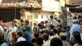 10 Dead, Several Trapped In a Building Collapse After a Cylinder Blast In UP's Mau