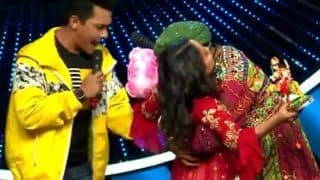 Contestant Kisses Neha Kakkar on Indian Idol 11, Anu Malik-Aditya Narayan Left Shocked - Viral Video