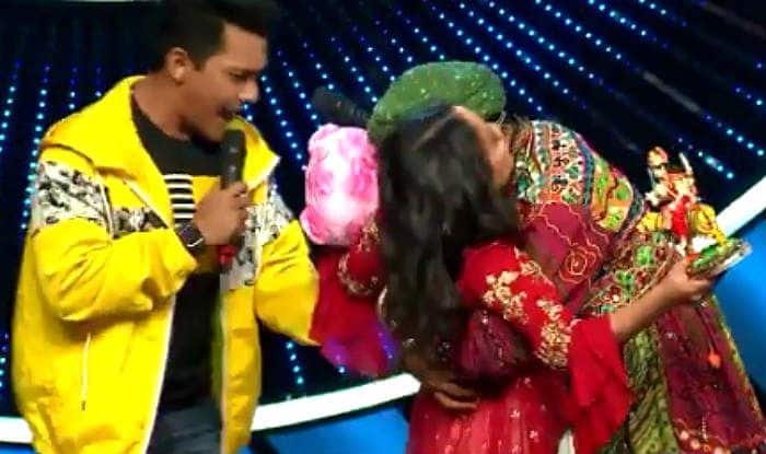 Image result for aditya narayan when neha got kissed by contestant