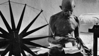 Gandhi Jayanti : रेलवे की क्रॉसिंग में बंद फाटक ने 1934 में गांधी जी की बचाई थी जान