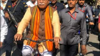 Haryana Assembly Election 2019: Manohar Lal Khattar Travels by Train to Karnal, Then Rides Bicycle to Cast Vote