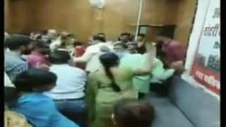 Madhya Pradesh: Woman Thrashes Govt Official in Gwalior For Wrongful Housing Under PMAY