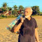 Akshay Kumar, Anil Kapoor, Other Celebs Praise PM Modi For Picking Trash on Mamallapuram Beach