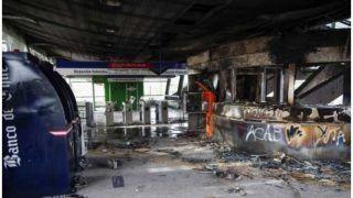 चिली: मेट्रो किराया बढ़ाने पर विरोध प्रदर्शन, 41 सबवे स्टेशन क्षतिग्रस्त
