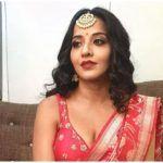 Bhojpuri Bomb Monalisa Amps up The Hot Red Lehenga Look With Huge Mangtika