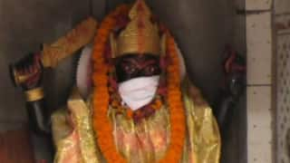 Oh My God! Now Idols in Varanasi Temple Wear Anti-Pollution Masks To Survive the Toxic Air