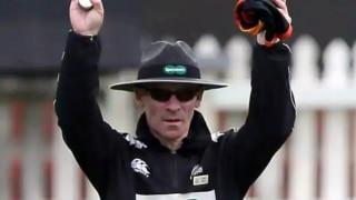 न्यूजीलैंड-इंग्लैंड T20 मैच में इस पूर्व पोर्न स्टार ने निभाई चौथे अंपायर की भूमिका