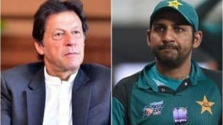 Pakistan Prime Minister Imran Khan Advises Sarfaraz Ahmed to Focus on Domestic Cricket to Get Back to National Side