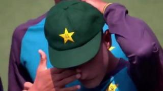 टेस्ट कैप पाकर भावुक हुए पाकिस्तानी गेंदबाज नसीम शाह
