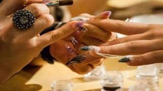 A Beginner's Guide to do Nail Art Perfectly