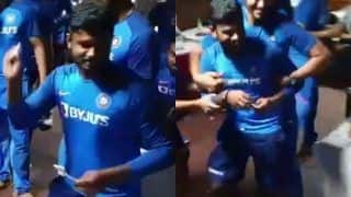 Sanju Samson Playfully Throws Cake at Yuzvendra Chahal as he Celebrates His 25th Birthday at Nagpur After India Beat Bangladesh in 3rd T20I | WATCH VIDEO