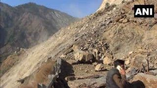 J&K: भूस्खलन के चलते लगातार दूसरे दिन भी बंद रहा जम्मू-श्रीनगर नेशनल हाईवे