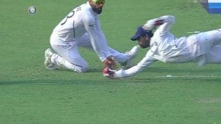 Wriddhiman Saha Takes a Brathtaking One-Handed Catch During Pink-Ball Test Between India -Bangladesh at Eden Gardens to Send Mahmadullah Packing | WATCH VIDEO