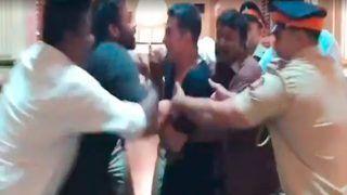 अक्षय कुमार और रोहित शेट्टी के बीच हुई जमकर लड़ाई, पुलिस ने किया बीच-बचाव