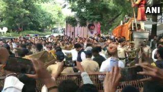 Maharashtra: Shiv Sena Workers Raise Party Slogans Against BJP's Fadnavis at Bal Thackeray's Memorial | Watch
