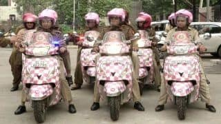 Delhi Police Launches Pink Force With 16 Women Cops Set to Patrol With Gears, Scooters Distinct From Men