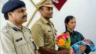 गोद में बच्चे को लेकर इसखूंखार महिला नक्सली ने किया पुलिस के सामने आत्मसमर्पण, इतने लाख रुपए का था इनाम