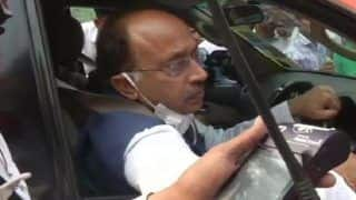 Odd-Even in Delhi: BJP's Vijay Goel Steers Odd Numbered Car to Protest AAP 'Poll Gimmick'; Fined
