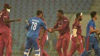2nd ODI: West Indies Cricketers Forced to Wear Masks in Lucknow to Avoid Moths