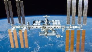 NASA To Start a 'Robot Hotel' Outside the International Space Station