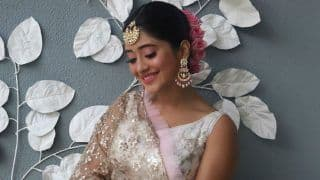 Yeh Rishta Kya Kehlata Hai Actor Shivangi Joshi Looks Breathtaking in Gorgeous White-Pink Lehenga