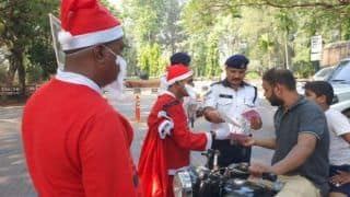 Ahead of Christmas, Goa Traffic Police Dressed as Santa Claus And Educated Motorists About Safety Regulations