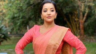 Bhojpuri Hot Bomb Monalisa Looks Ravishing as She Flaunts Her Bengali Avatar in Simple Saree