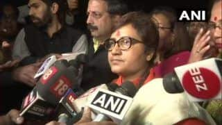 Pragya Thakur Sits on 'Dharna' Outside Bhopal Police Station, Demands FIR Against Congress MLA Over Burn Threats