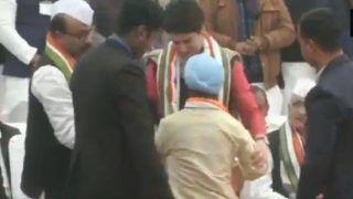 Security breach at Priyanka Gandhi Vadra's Public Meeting in Lucknow | Watch Video