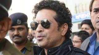 Sachin tendulkar asks netizens to help find waiter who gave crucial advice about his elbow guard 3878648