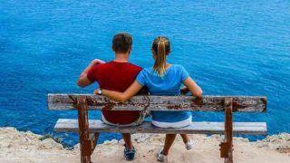 Relationship Tips: इसलिए महिलाओं को करनी चाहिए अपने से बड़े उम्र के व्यक्ति से शादी, मिलते हैं ये फायदे
