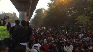 Jamia Violence: पुलिस ने 10 अपराधिक छवि वाले लोगों को किया गिरफ्तार, एक भी छात्र नहीं