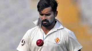 Vinay Kumar Becomes Highest Wicket-Taker Among Fast Bowlers in Ranji Trophy History