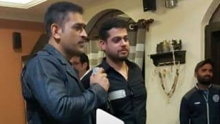 MS Dhoni Shows Off His Singing Skills on Karaoke With a Kumar Sanu Classic | SEE VIDEO