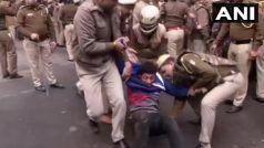 नागरिकता विरोध: जामिया मिल्लिया इस्मालिया में पुलिस व छात्रों के बीच झड़प, 50 छात्र हिरासत में