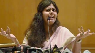 पंकजा मुंडे का तीखा सवाल, क्या एक महिला राज्य का नेतृत्व नहीं कर सकती..?