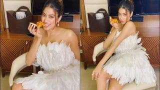 Janhvi's Sultry Poses With Pizza Will Leave You Drooling All Over The Screen And THESE Pictures Are Proof!