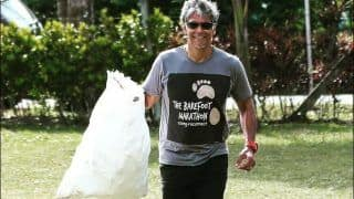 Milind Soman's Cleanliness Initiative of 'Picking up Garbage as You Run' is Exactly The Wednesday Motivation we Need!