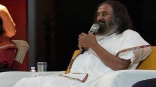 भारत में रह रहे एक लाख श्रीलंकाई तमिलों को सरकार नागरिकता दे: श्रीश्री रविशंकर