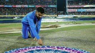 India vs Sri Lanka: Virat Kohli Gets Trolled Over Pitch Inspection in Guwahati 1st T20I; Memes, Gifs Rule Internet | SEE POSTS