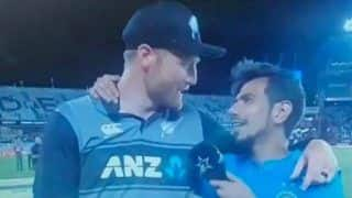 Yuzvendra Chahal Left Red-Faced After Martin Guptill Uses Hindi Cuss Word on Live TV After 2nd T20I at Auckland, Rohit Sharma's Reaction Cannot be Missed | WATCH VIDEO