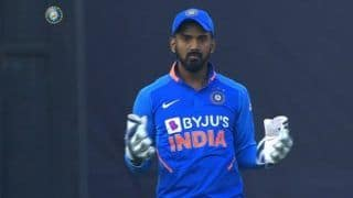 India vs Australia 2020, 1st ODI: Rishabh Pant Suffers Concussion After Being Hit on The Helmet, KL Rahul Takes Over As Wicket-Keeper