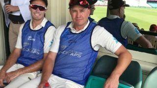 AUS vs NZ: न्यूजीलैंड के खिलाड़ी पड़े बीमार, मजबूरन बल्लेबाजी कोच को होना पड़ा फिल्डिंग के लिए तैयार