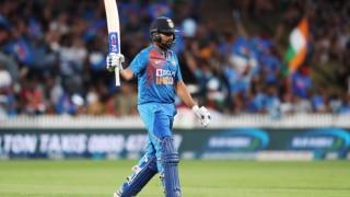 IND vs NZ: रोहित शर्मा का विस्फोटक अर्धशतक, न्यूजीलैंड को मिला 180 रन का लक्ष्य